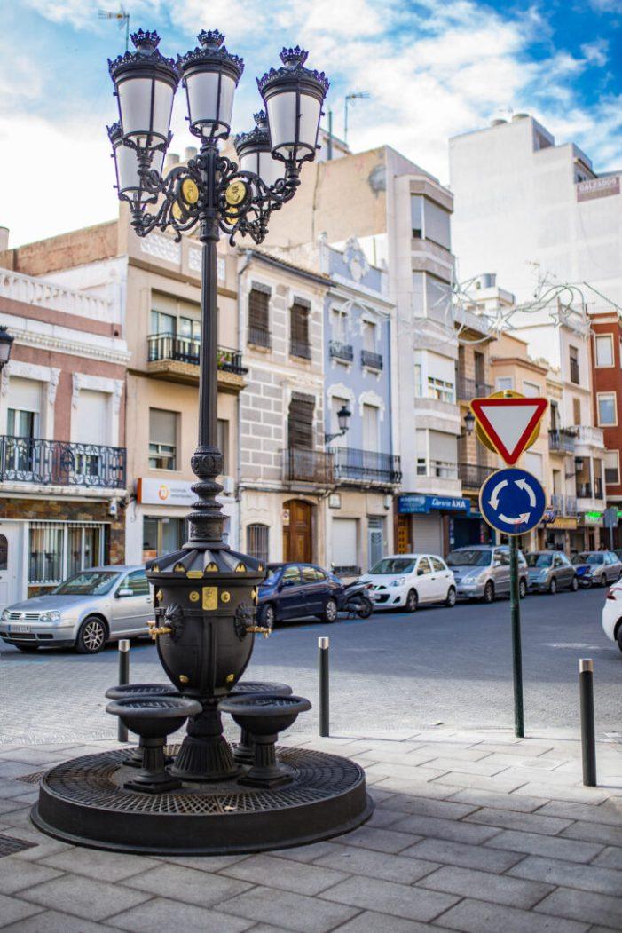 Cullera recupera la font-fanal de la plaça de la Llibertat