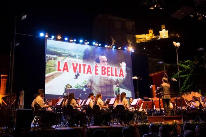 Cullera presenta les bases del seu IX Certamen de Bandes de Cinema