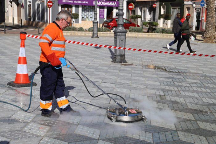 Cullera li declara la guerra a la brutícia incrustada en els seus carrers