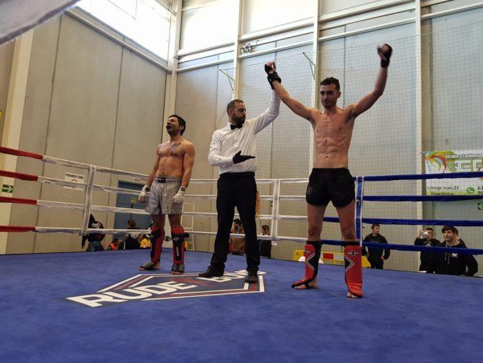 Marcos Sanchís, del Club Yoko-Kan Almussafes, campió autonòmic de kick boxing