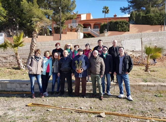 Les associacions de veïns d'Alzira, junt a l'Ajuntament, continuen plantant arbres durant tot el mes de febrer