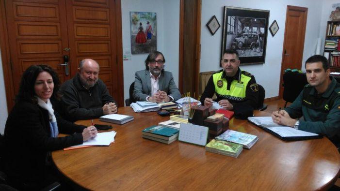 La junta Local de Seguretat es reuneix per coordinar la prevenció d'incidents durant la Setmana Santa
