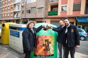 Cullera repta a les falles en un concurs perquè reciclen més vidre