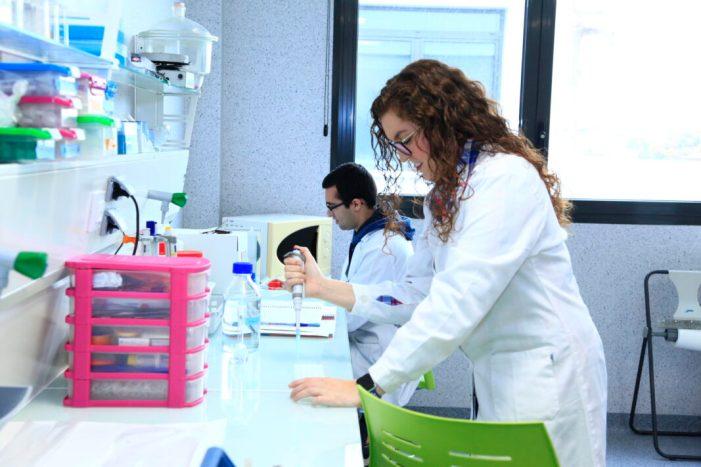 Una revista científica internacional publica la investigació de la farmacèutica almussafenya María Sebastián