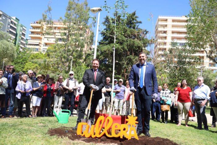 Cullera ratifica 20 anys de l'agermanament amb la ciutat alemanya de Jever amb la inauguració d'un monolit al parc de Sant Antoni