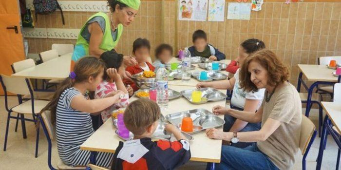 Cullera obri el menjador social en Pasqua per als xiquets sense recursos