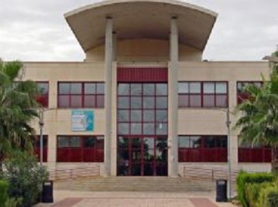 L'Ajuntament d'Almussafes cedix un vehicle per a les urgències mèdiques del Centre de Salut