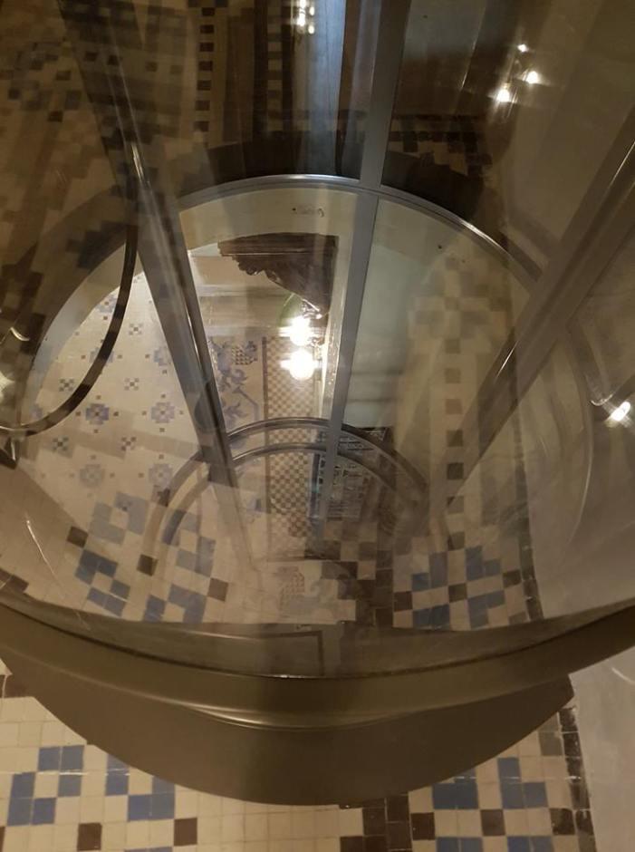 La Casa d'Alós ja compta amb l'elevador destinat a persones amb mobilitat reduïda