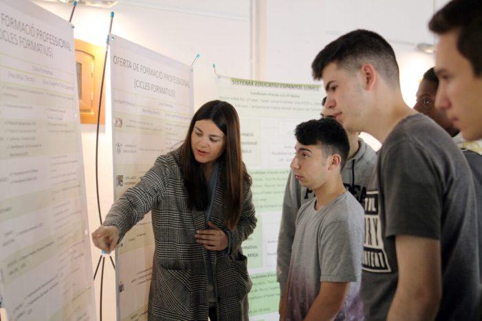 Més de 300 estudiants participen en la III edició de la Fira Orienta-T a Sueca