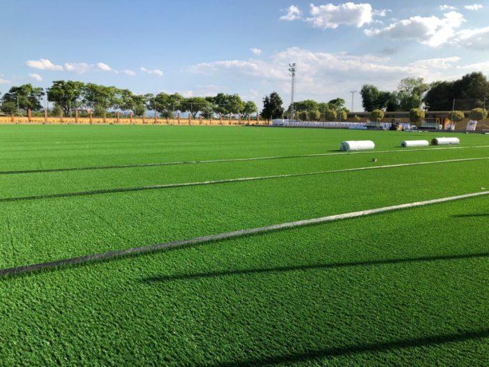 L'Ajuntament d'Algemesí renova el camp de gespa artificial del poliesportiu municipal Joan Girbés