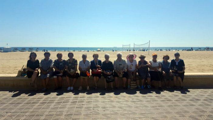'EspaiGran' finalitza la seua segona edició amb una excursió a la platja de laMalvarrosa