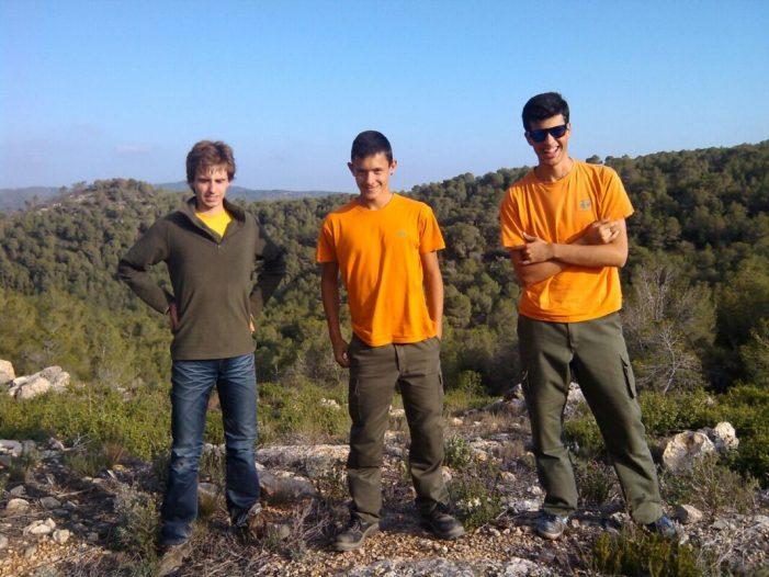 Alumnes de la Malvesía realitzen un voluntariat ambiental contra els incendis forestals