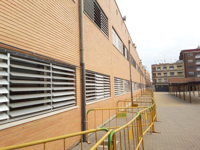 L'equip de govern d'Almussafes exigix a Conselleria una solució immediata per als problemes de les finestres del CEIP Almassaf