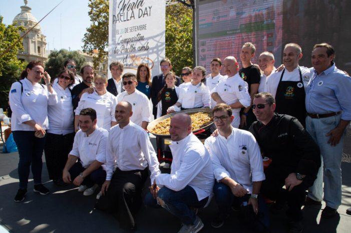 TornarPuig assisteix a la celebració del Dia de la Paella20/