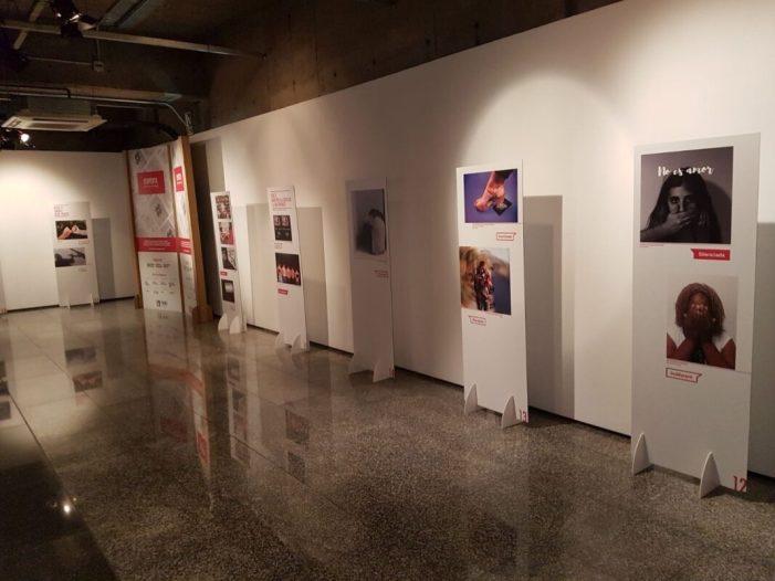 L'exposició fotogràfica #noemtoqueselwhatsapp de l'IVAJ arriba al setembre a sis localitats