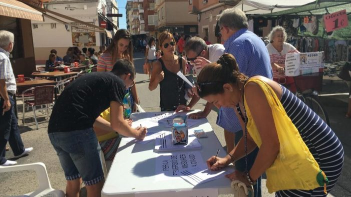 L'Ajuntament de El Perelló es mobilitza al mercat municipal