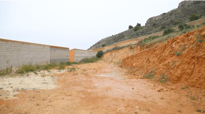 Cullera guanya terreny a la muntanya per a ampliar el cementeri