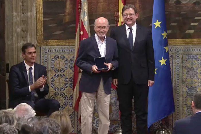 La Generalitat guardona al pintor paiportí Salvador Montesa amb el premi al mèrit cultural en els reconeixements del 9 d'Octubre