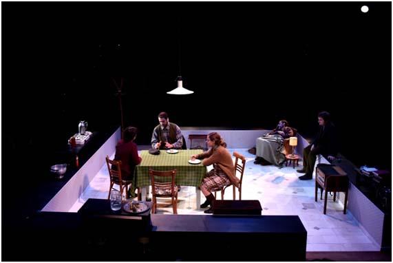 L'Institut Valencià de Cultura presenta l'obra 'Sopa de pollastre amb ordi' al teatre Principal de Castelló