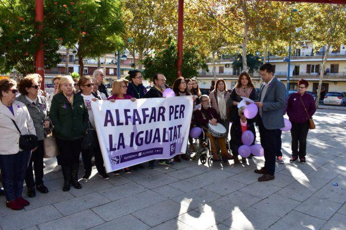 Alfafar recorda a les 45 víctimes de la violència masclista