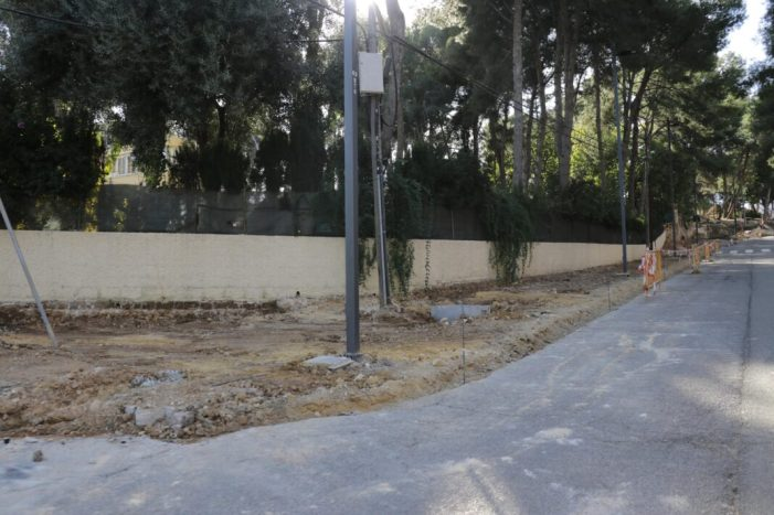 Nova vorera en el final de l'Avinguda al Vedat
