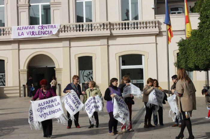 """""""Entre tots i totes! Actuem!"""": Alfafar s'uneix al Dia Internacional de l'Eliminació de la Violència contra la Dona"""