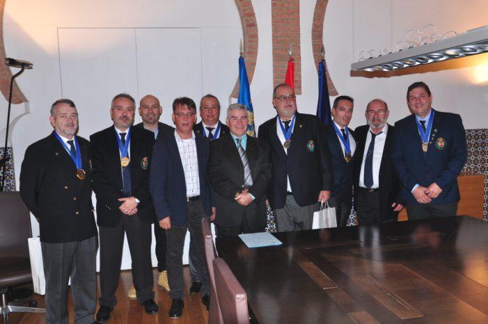 Tiradors del Club de tir Olímpic Cullera acudeixen a l'acte de recepció oficial en la Consellería d'Esport