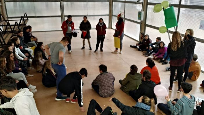 70 xics i xiques participen en Alcossebre a la IV Trobada de Joves de l'Horta Nord