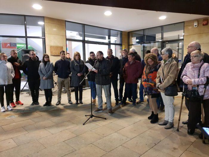 Centenars de persones donen suport a la concentració per la citricultura valenciana