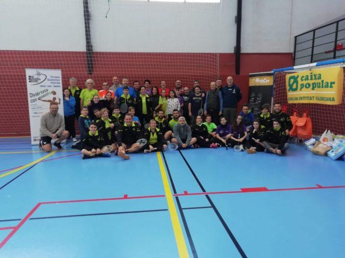 Alboraia celebra la II edició del Torneig Solidari de Bàdminton `Cap xiquet sense bolquer´