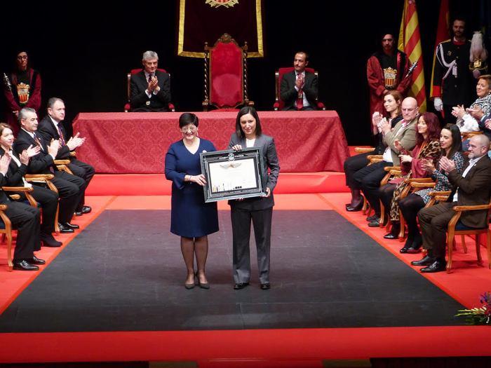 L'acadèmica de l'Acadèmia Valenciana de la Llengua, Immaculada Cerdà, rep el Guardó d'Honor d'Algemesí