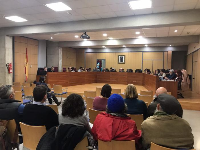 El Ple de l'Ajuntament nomena fill adoptiu d'Alboraia al poeta Manel Marí