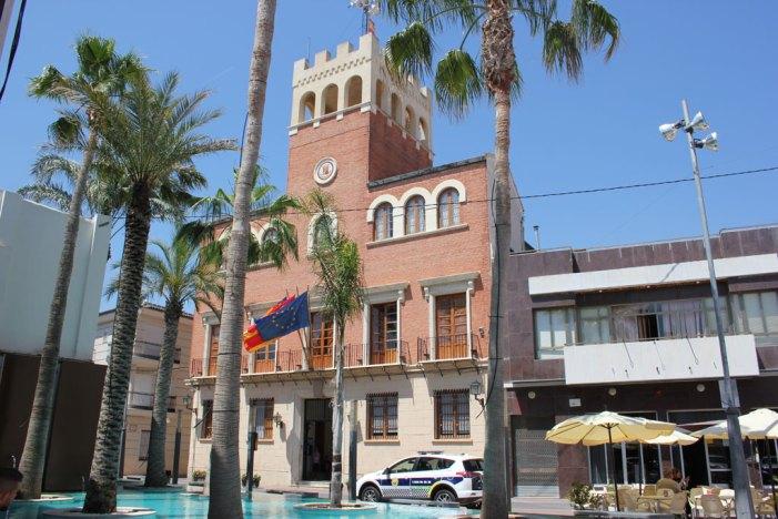 L'Ajuntament d'Alcàsser acull l'acte de presentació dels treballs de la Càtedra Divalterra-Universitat Politècnica de València que analitzen les àrees d'activitat empresarial d'Alcàsser, Beniparell i Silla