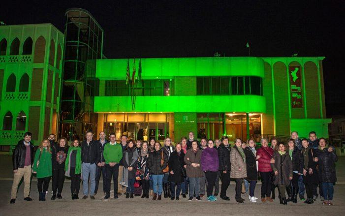El Centre Cultural d'Almussafes s'il·lumina de verd en suport a la lluita contra el càncer
