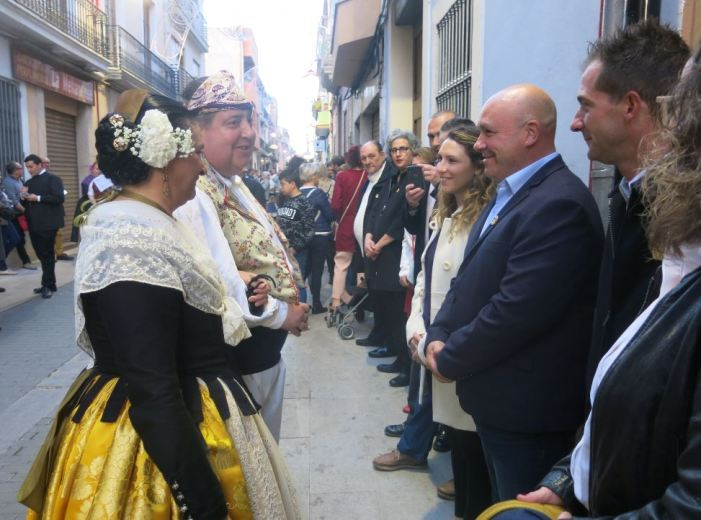 Les falles de Turís protagonitzen la dansà