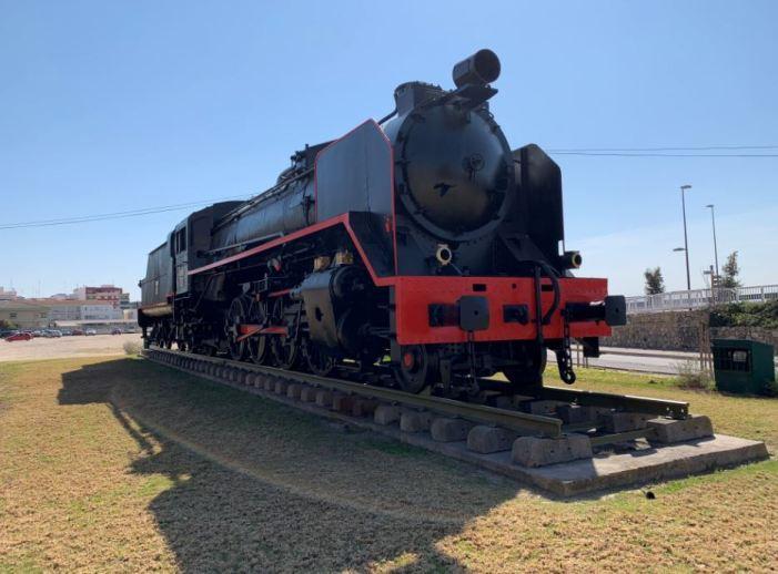 Finalitzen les tasques de manteniment i restauració de la màquina de tren Mikado d'Alzira