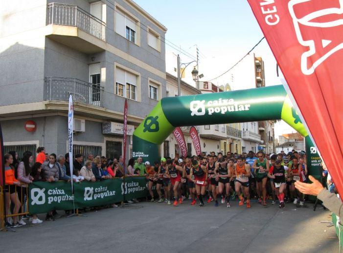 La XIX Volta a Peu de Catadau reuneix a més de 600 atletes en totes les categories