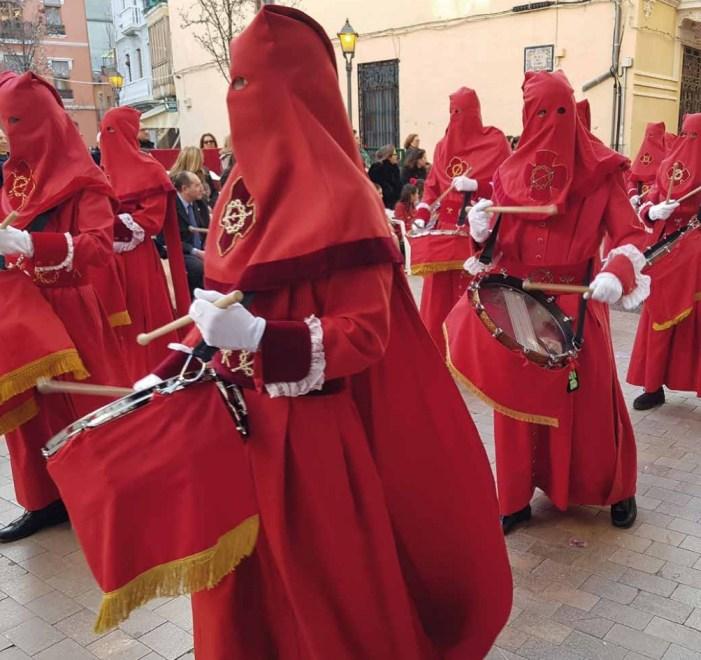 La Regidoria de Festes d'Alzira tornarà els diners del lloguer de cadires en cas de suspensió per pluja de la processó del Divendres Sant