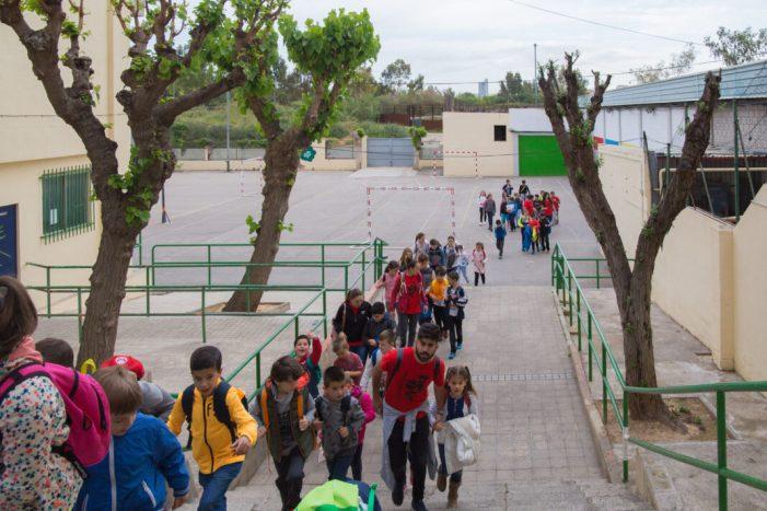 Mislata programa una multitud d'activitats per a xiquets i joves durant les vacances de   Pasqua El campament urbà de la Fàbrica i el campament social, que inclou activitats d'oci i menjador, reuniran a més de 130 xiquets i xiquetes