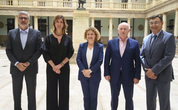 Els consells socials de les universitats valencianes varen celebrar divendres passat una primera trobada institucional