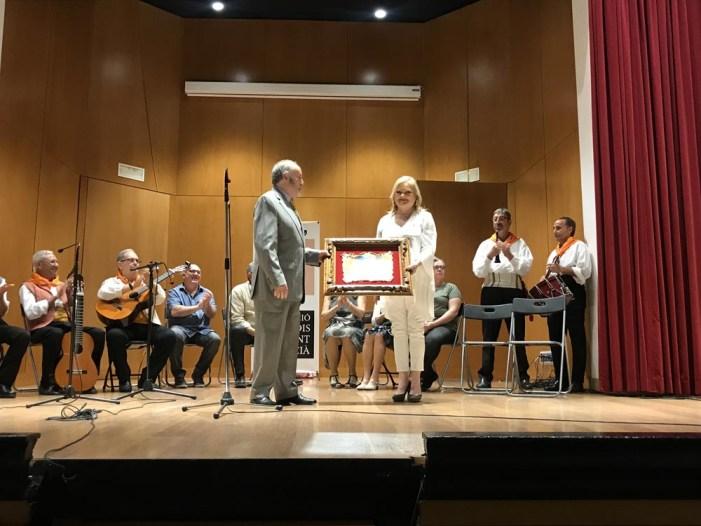 L'Ateneu rep el premi Obrint Camí de l'Associació d'Estudis del Cant Valencià