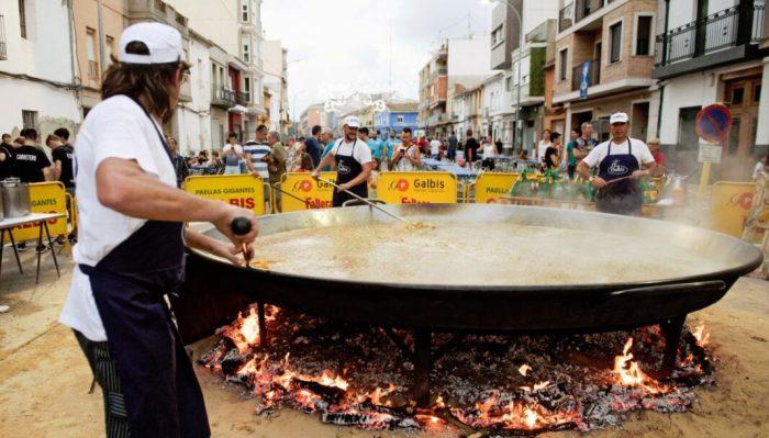 L'Homenatge a la Paella d'Almussafes compleix quaranta anys