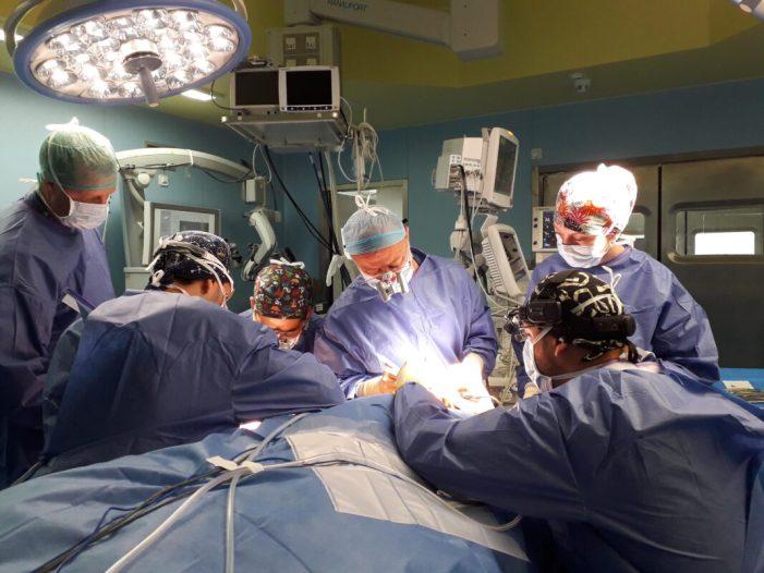 L'Hospital de la Ribera realitza un trasplantament de ganglis del coll en una pacient amb limfedema