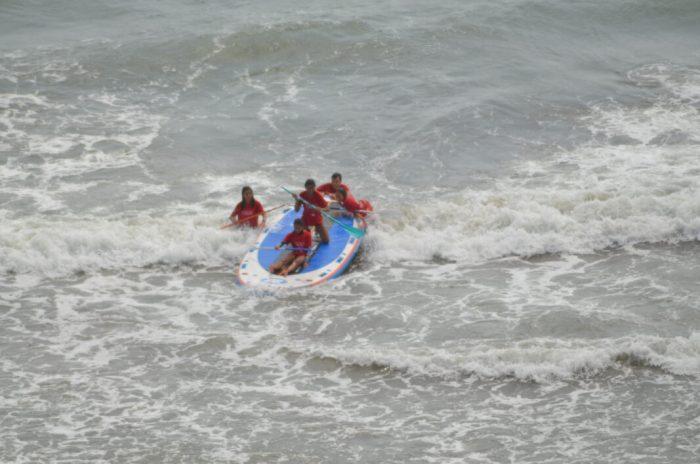 Aprén surf a les platges d'Alboraia