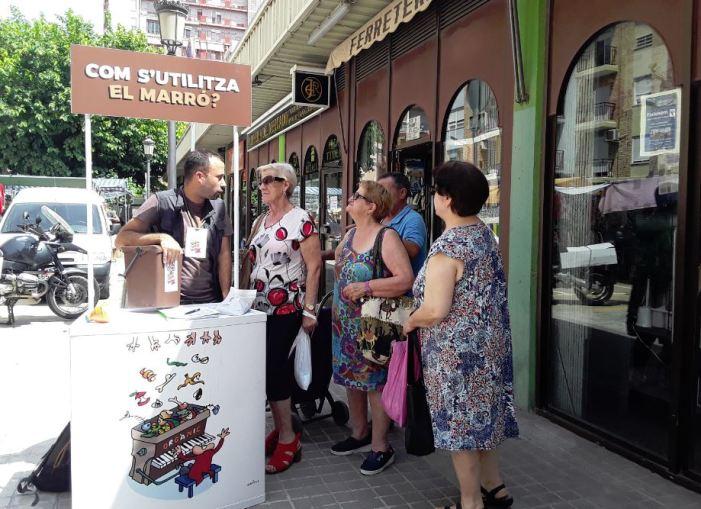 L'Ajuntament de València inicia una campanya als mercats per a promocionar els contenidors marrons