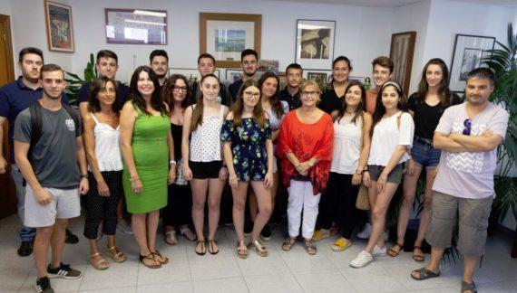 """16 jóvens inicien les seues pràctiques formatives gràcies al programa """"La dipu te beca"""" a Picassent"""