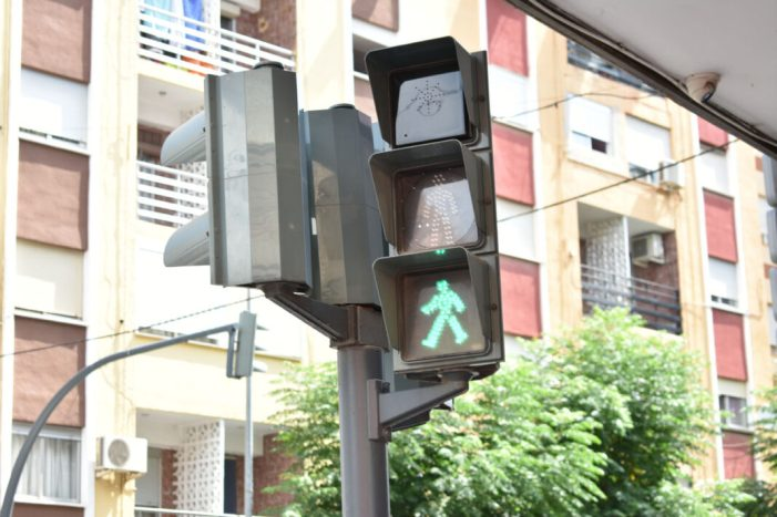 Alfafar instal·la semàfors sonors en diferents encreuaments per als vianants del municipi