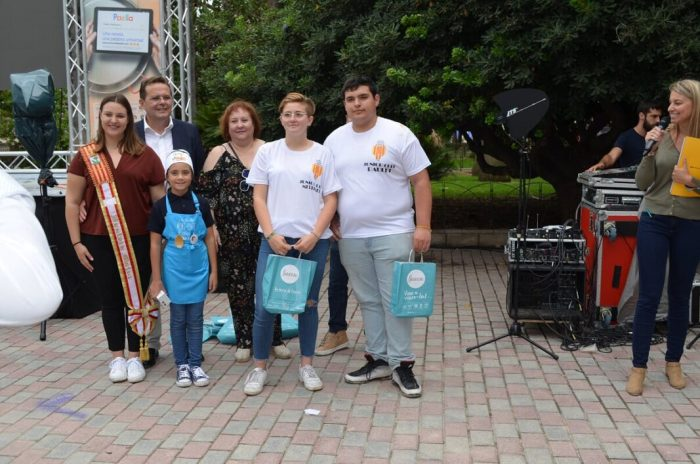 Les joves cuineres de la falla El Portal guanyen la primera edició del concurs Firarròs Jove 2019