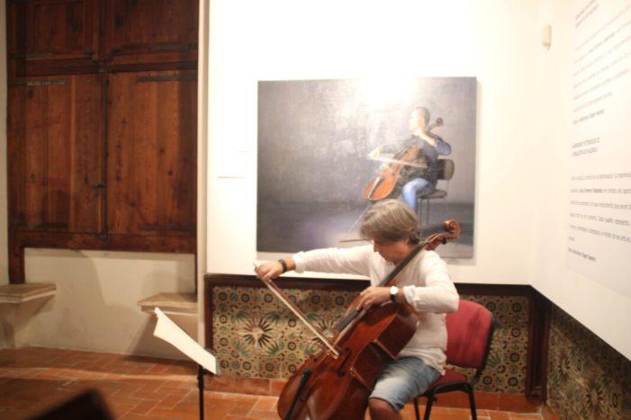 El músic i pintor Jesús Romero Redondo exposa les seues obres acompanyades amb els textos de l'autor Nord-americà Roger Swanzy