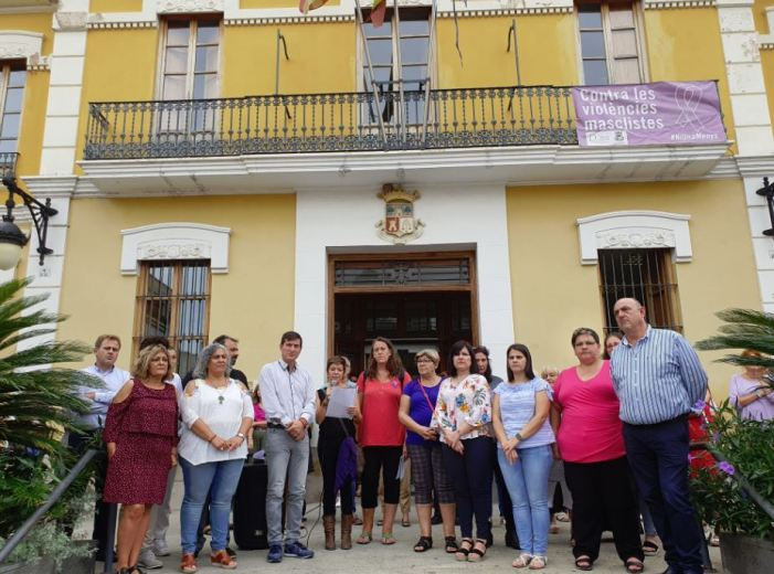 Burjassot llig el Manifest de l'Emergència Feminista i il·luminarà la façana del seu Ajuntament de morat aquesta nit